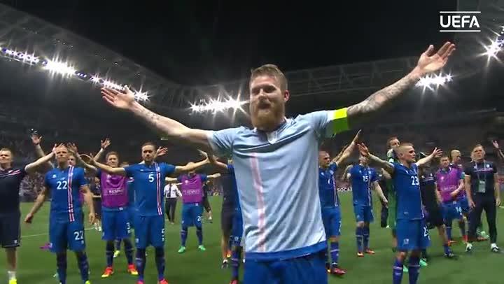 La celebraci�n de Islandia tras vencer a Inglaterra