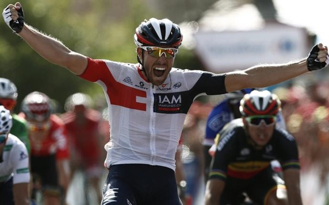 El ciclista belga�Van Genechten gan� al esprint