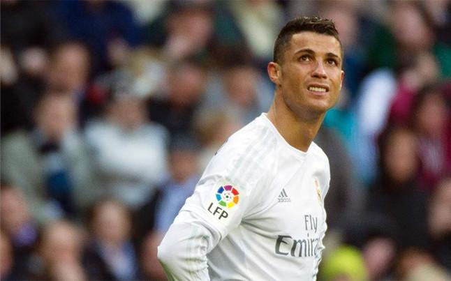 Cristiano Ronaldo choca en su auto