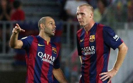 Mascherano y Mathieu formaron eje como centrales