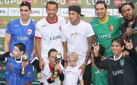 Neymar, durante el acto solidadrio