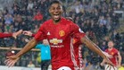 Rashford decide a la �pica para el United