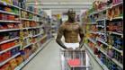 Balotelli intimida hasta haciendo la compra