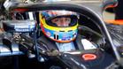 Alonso, con el Halo en su McLaren