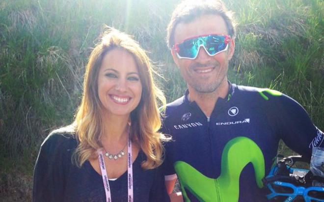 Luis Enrique, con la periodista Laura Messeguer, tras la 19� etapa del Giro