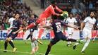 Cavani salva al PSG en tiempo añadido
