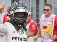 Nico Rosberg celebrando la 'pole' en su tierra
