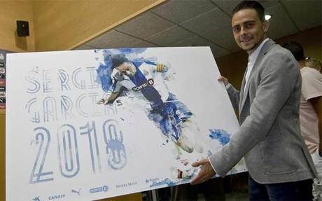 Sergio Garc�a en su renovaci�n con el Espanyol
