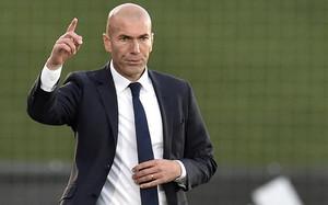 Zinedine Zidane durante el partido frente al Talavera de la Reina