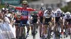 Caleb Ewan celebra la victoria en la tercera etapa del Tour Down Under