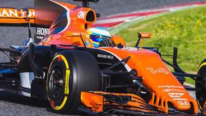 Alonso, al volante del MCL32