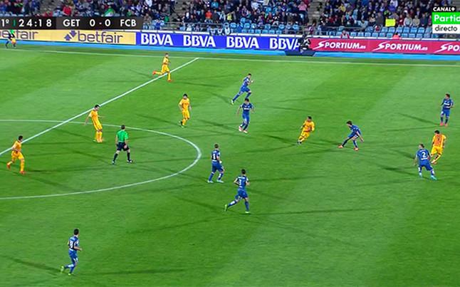 El rbitro se equivoc en un fuera de juego y un penalti a for En fuera de juego