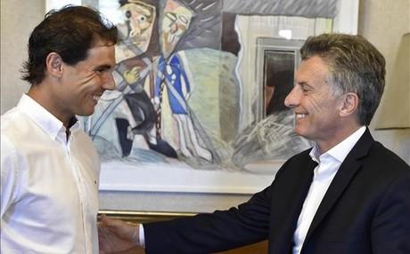 Nadal, departiendo con Mauricio Macri en la Casa Rosada