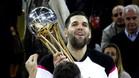 Reyes, recogiendo su cuarta Copa del Rey