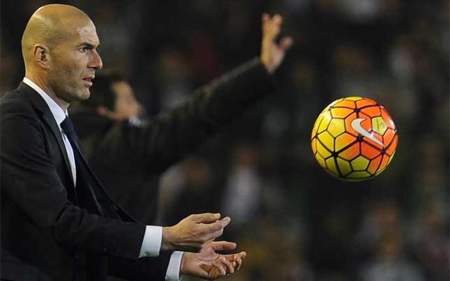 Zidane le da un 'toque' a Neymar por las filigranas