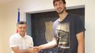 Tomic y Creus escenificaron el acuerdo en las oficinas del FC Barcelona