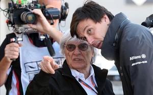 Toto Wolff con Bernie Ecclestone