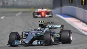 Bottas ha resistido los ataques de Vettel y ha ganado en Rusia