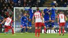 Chadli puso al Leicester contra las cuerdas con un libre directo