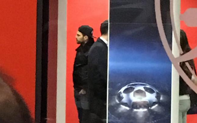 Cesc F�bregas presenci� el Arsenal - Bar�a en el Emirates