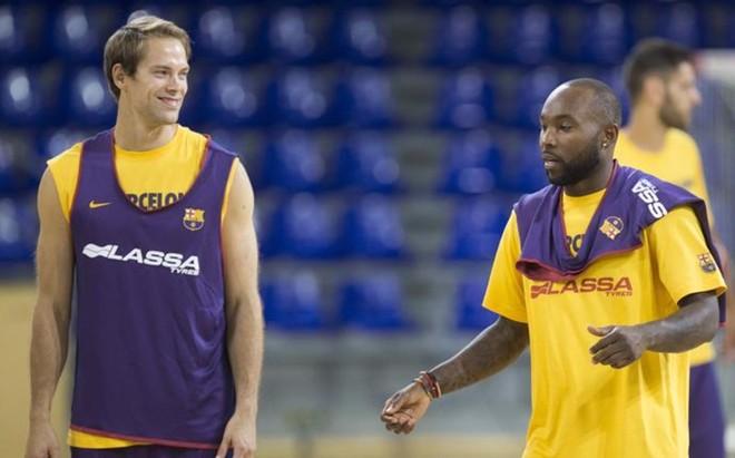 Koponen y Rices este lunes durante su primer entrenamiento con el nuevo Bar�a Lassa de Bartzokas