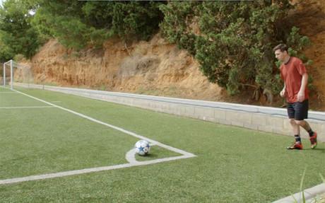 Leo Messi asume el nuevo reto de la campa�a 'Backed by Messi'