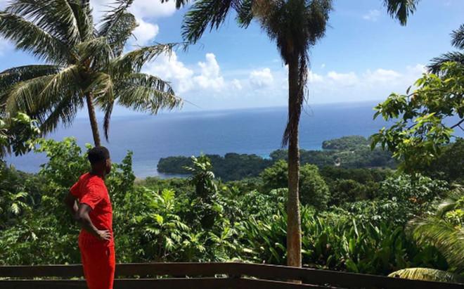 Umtiti mostr� sus vacaciones en Jamaica