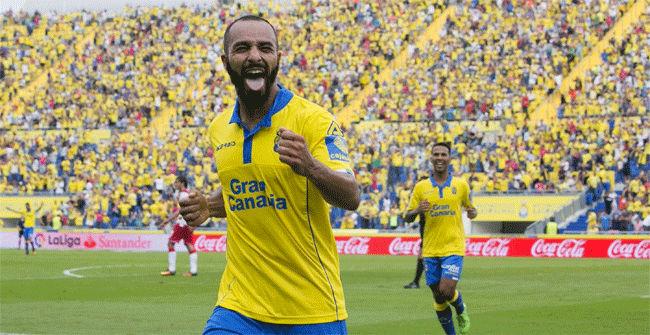 Las Palmas encabeza la tabla tras golear al Granada