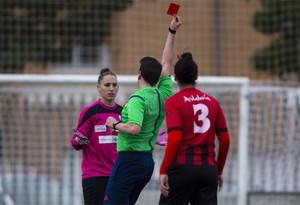 Elena Pavel, del Sporting Huelva, se sintió humillada por el colegiado