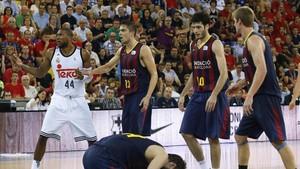 Slaughter en un partido ante el Barça de la temporada 2014-15