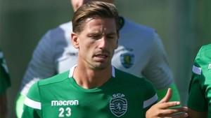 Adrien Silva no podrá jugar de momento con el Leicester
