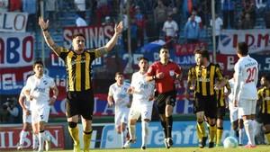El Peñarol sigue líder en Uruguay