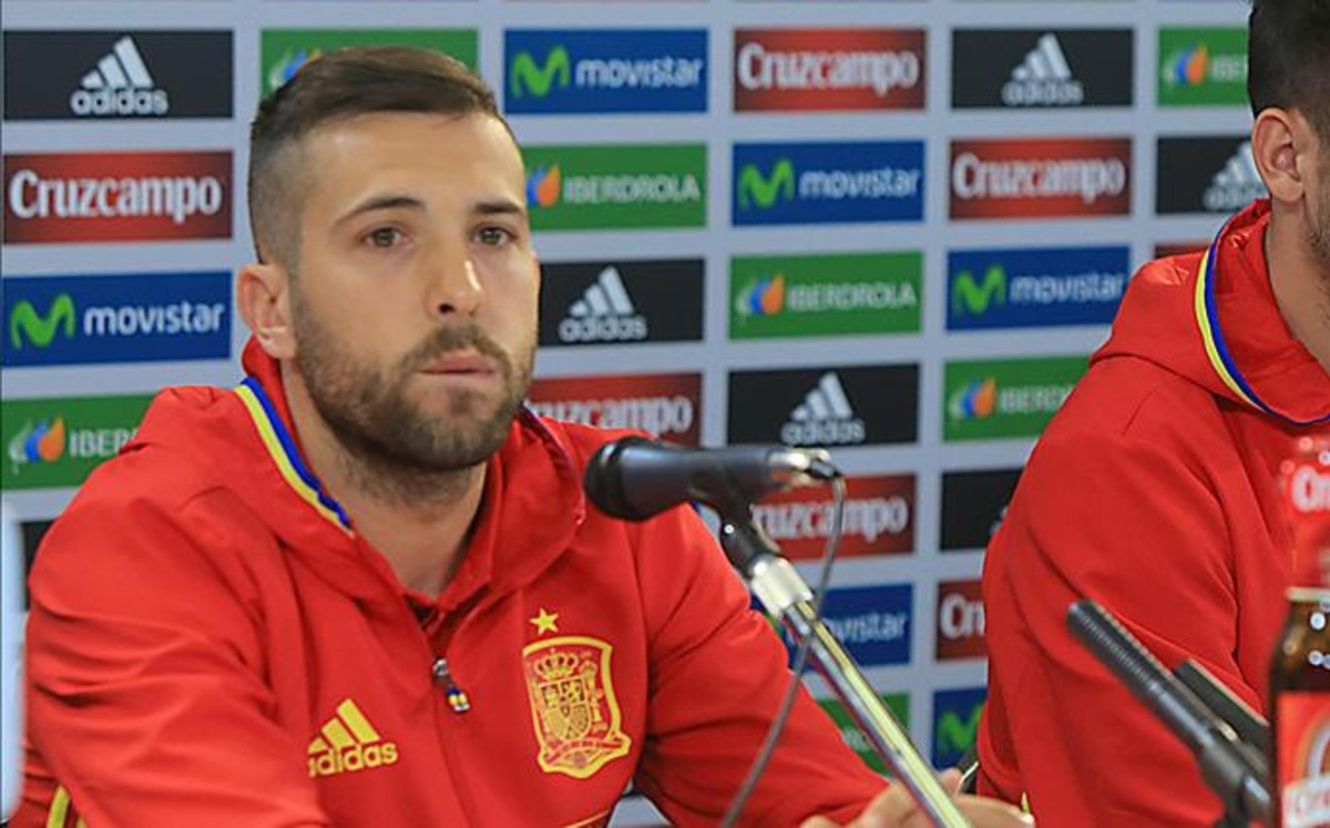 Alba sale en defensa de Iker Casillas