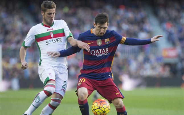 Messi se autocorona Bal�n de Oro en el Camp Nou