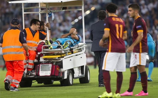 Rafinha se rompi� la rodilla ante la Roma en septiembre