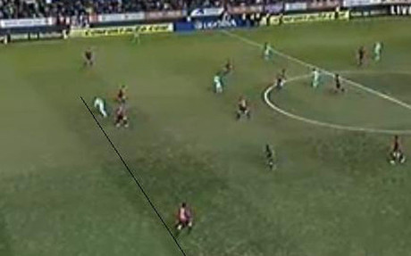 Three offside decisions go against Barcelona at Osasuna: Guardiola in angry confrontation with the linesman