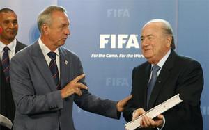 Blatter y Cruyff, en una imagen de archivo