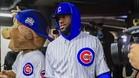 James, vestido con el uniforme de béisbol los Cachorros de Chicago