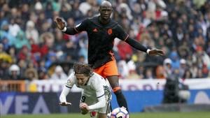 Guardila no cuenta con Mangala y el destino del jugador apunta a Sevilla