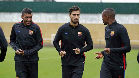 El Barça se entrena bajo la lluvia tras la victoria de anoche frente al Olympiacos