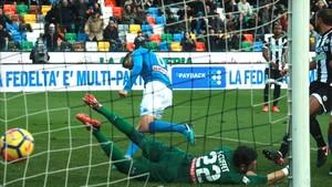 Jorginho marcó el gol que le dio los tres puntos al Nápoles
