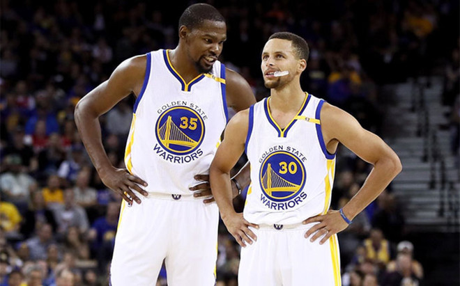 Kevin Durant y Stephen Curry lideran a los Golden State Warriors