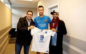 Busquets recibió a Abdullah Otatyf tras el entrenamiento de este martes