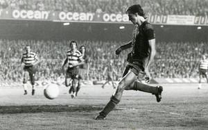 El Barça, como local, ha ganado todos los partidos de Liga (21) que ha jugado contra el Granada. En octubre de 1973 lo hizo 4-0 en un duelo que en el que debutó Johan Cruyff