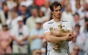Andy Murray estaba exultante por volver a tener el trofeo en sus manos