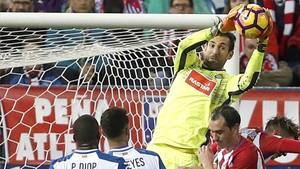 Diego López lleva casi 600 minutos sin encajar goles