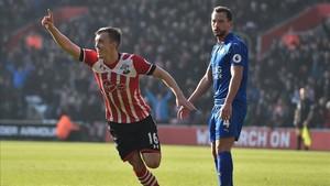 El Southampton se recreó ante un Leicester que no levanta cabeza