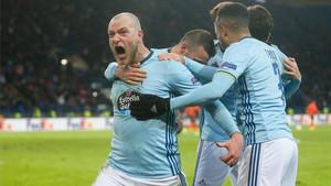 Guidetti da rienda suelta a la euforia tras los goles del Celta