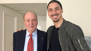 Ibrahimovic quiso compatir en las redes su imagen junto a Juan Carlos I