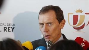 Butragueño se excusó en el árbitro para justificar la derrota